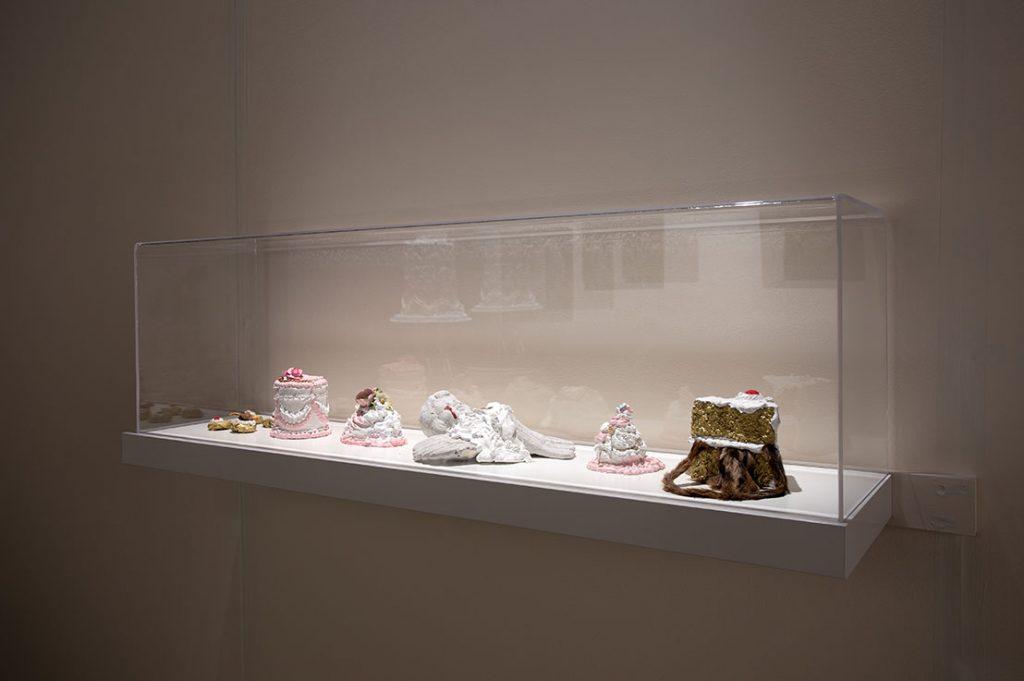 Céline B. Laterreur - C'est du gâteau / A piece of cake