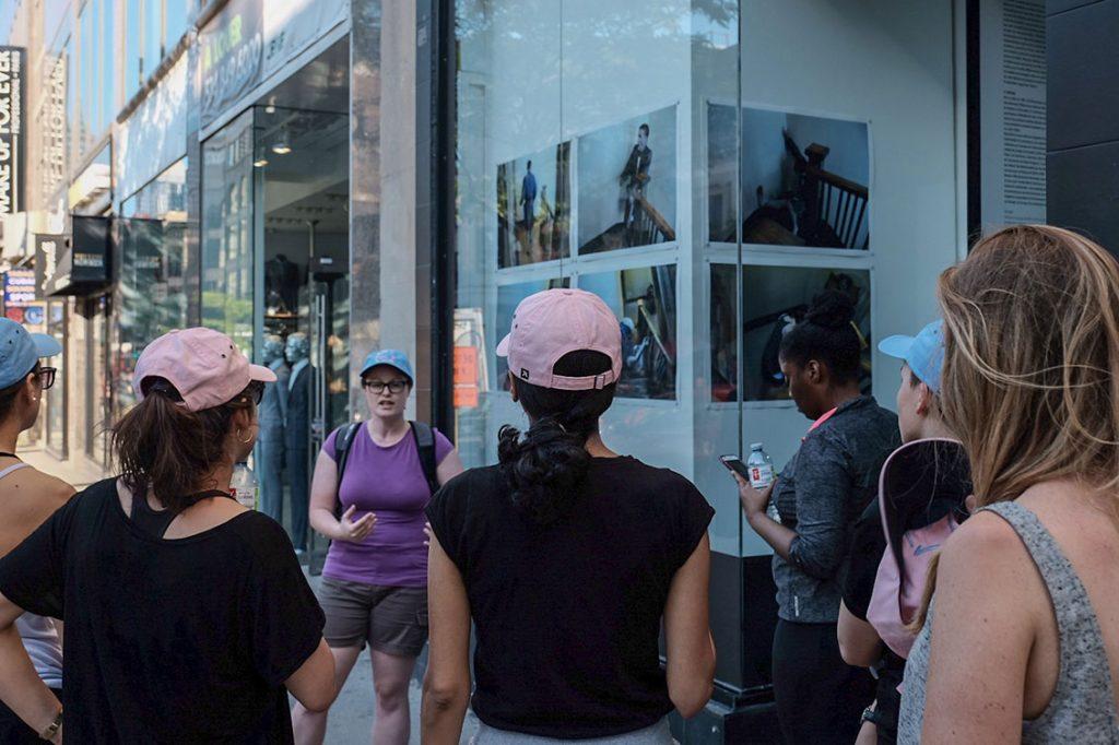 Vitrine sur l'art 2018 - Activité Au pas de course rue Peel, Montréal